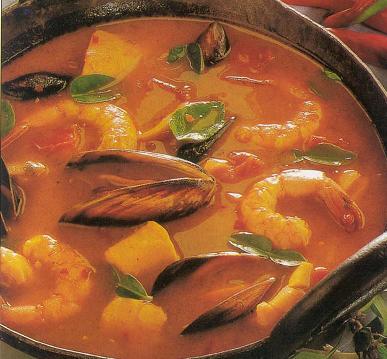 Sopa de pescado y marisco con chile y albahaca - Sopa de marisco y pescado ...